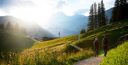 Wanderer am Lechweg
