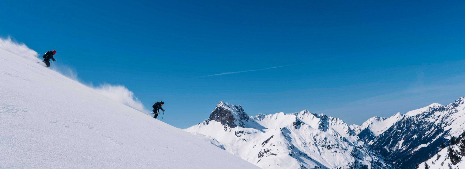 Skiabfahrt im offenen Gelände